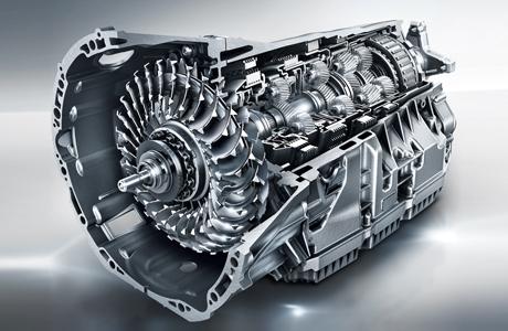 V6汽油发动机搭载9速自动变速箱,强劲动力
